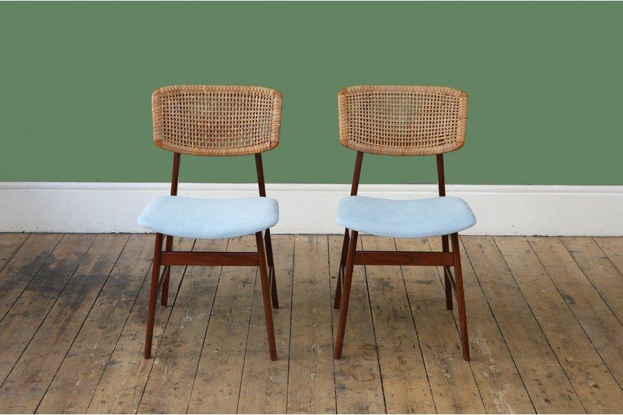 large_pair-of-p-j-muntendam-dining-chairs.jpg