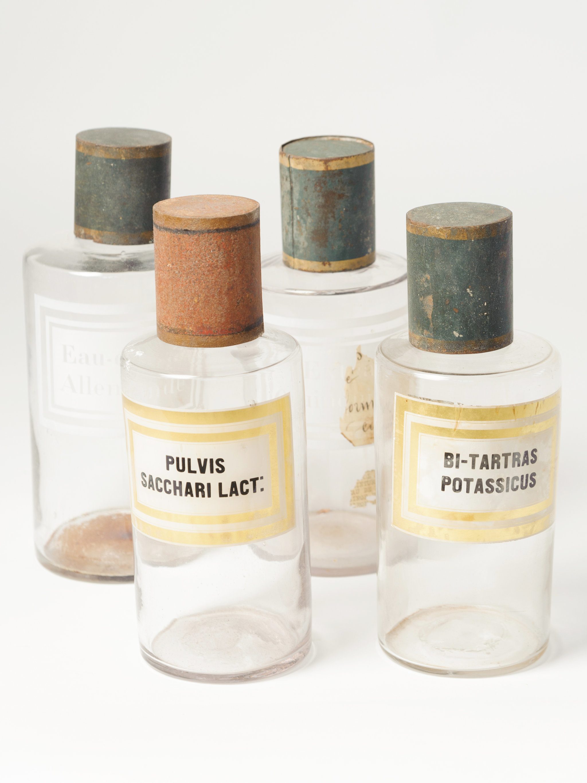 beautiful-vintage-french-apothecary-bottles