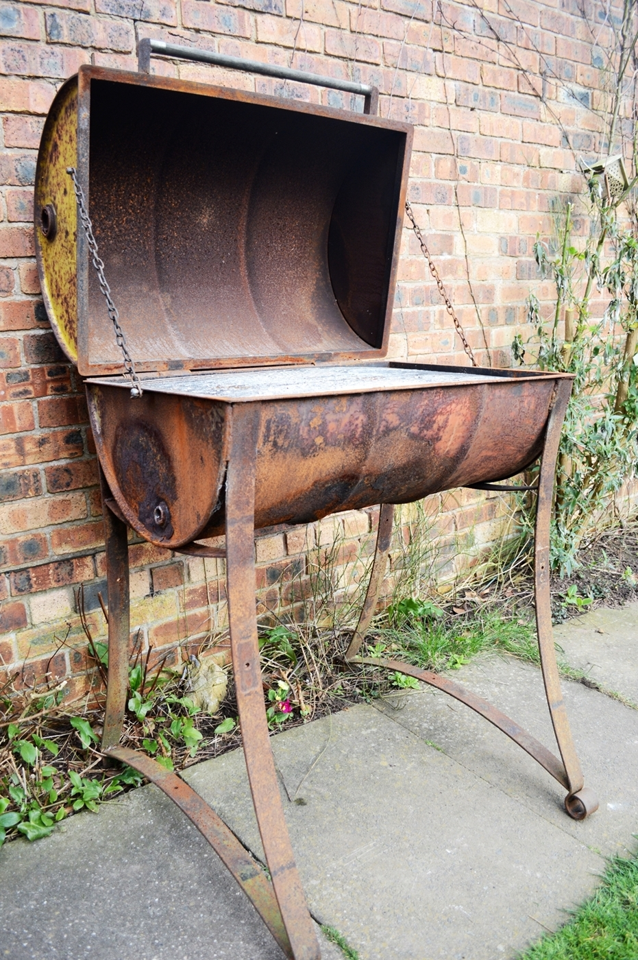 industrial-bespoke-handmade-oil-drum-barbeque-steel-welded-leaf-springs-heavy-duty-bbq-patina-rust-rustic-farmhouse-country