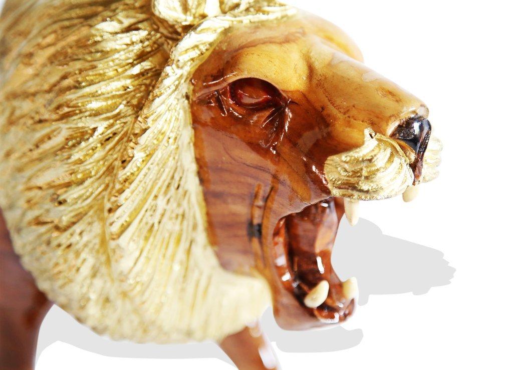 lion-sculpture