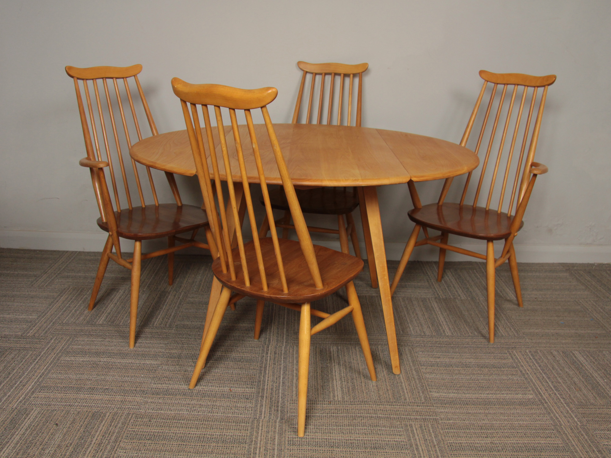 1960-s-ercol-beech-and-elm-oval-drop-leaf-dining-table-4-x-goldsmith-chairs