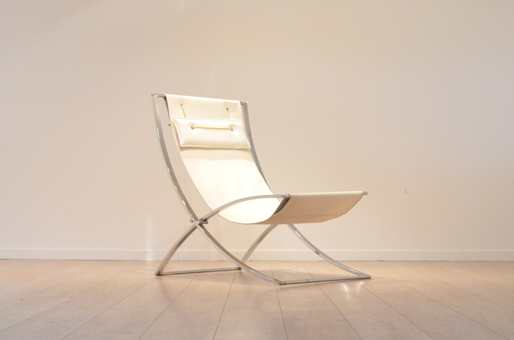 Minimalistic lounge chair - Marcello Cuneo - £790