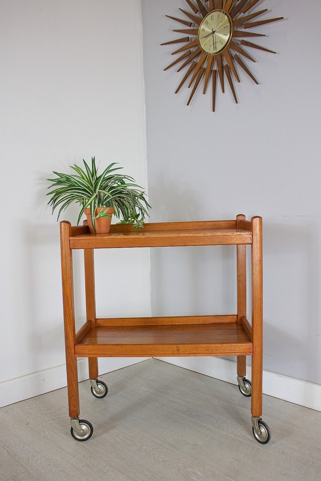 mid-century-retro-danish-style-teak-hostess-drinks-tea-trolley-490bcd72-8de2-46a1-9f1e-b706923c8dc1 (1)