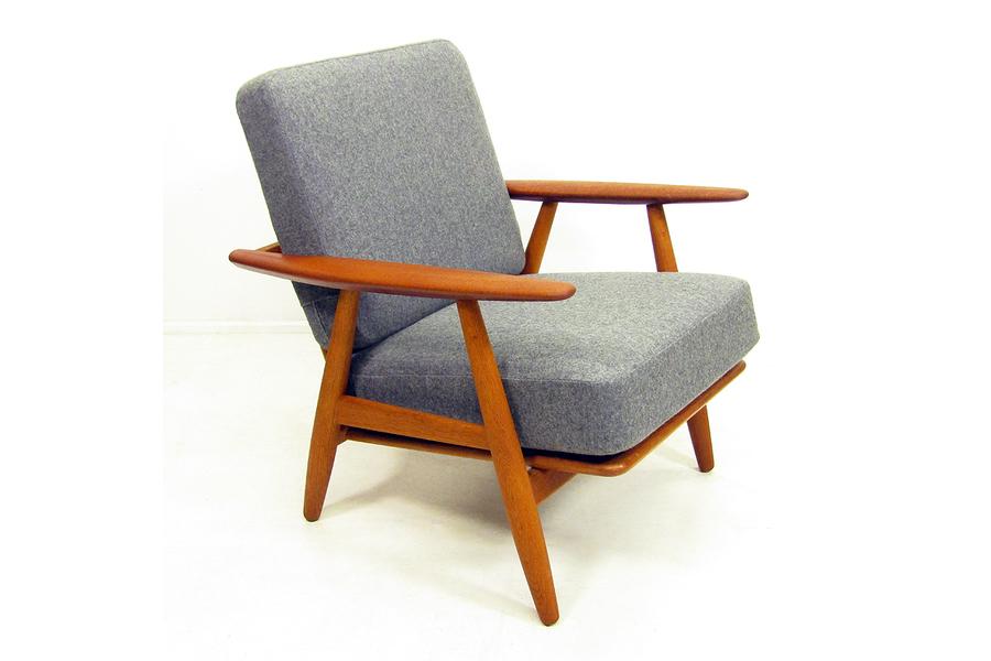 large_ge-240-cigar-chair-by-hans-wegner